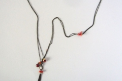 Lucrezia - minimalista, coralli, con ciuffetto - C01L