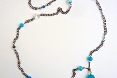 cristalli di rocca, pietre dure incatenate alla catena a  rosario