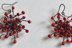 corallo rosso annodato con filo metallico  a mano