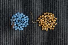 cristalli azzurri e pirite d'oro annodati a mano