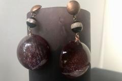 resina e pietre dure con inserzioni pittoriche variante bordò con monachella in argento brunito color bronzo